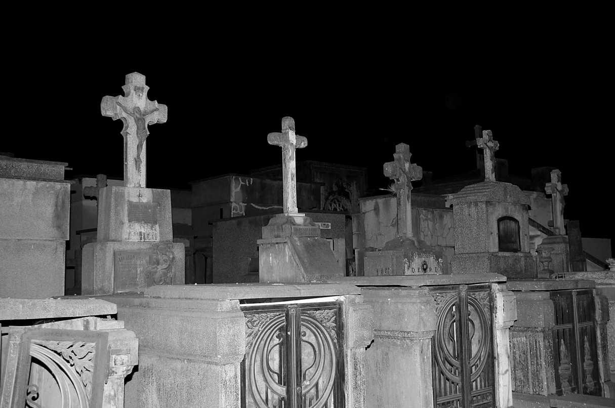 Cementerio de La Plata: trabajadores graban un video donde se escuchan gritos desgarradores
