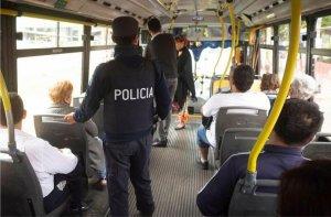 Traferri pide aumentar la cantidad de policías que viajen gratis en colectivos